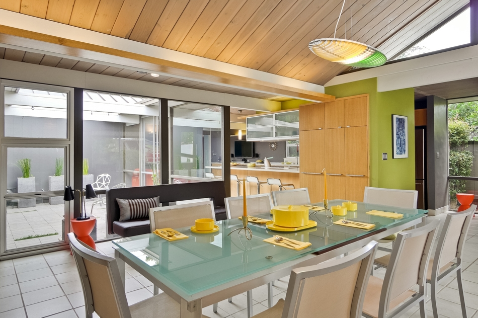 COVE LIGHTING RIGHTLY RETURNS TO THE FRANK LLOYD WRIGHT INSPIRED EICHLER